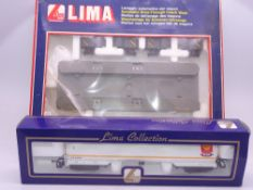 OO GAUGE - A Lima 100T bogie tank wagon with a Lima Coach Wash kit - VG-E in F-VG boxes