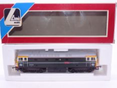 OO GAUGE - A Lima Class 33 diesel locomotive, 33008 Eastleigh, in BR green livery. VG in G box