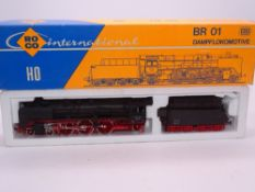 HO GAUGE - A Roco German BR01 steam locomotive in