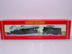 OO GAUGE - A Hornby R2088 Castle Class steam locom