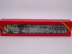 OO GAUGE - A Hornby R066 Duchess Class steam locom