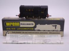 OO GAUGE - A Wrenn W2233 0-6-0 diesel locomotive i
