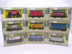 OO GAUGE - A group of Wrenn wagons as lotted. VG i