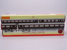 OO GAUGE - A Hornby R4197 'The Royal Train' triple