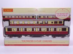 OO GAUGE - A Hornby R4255 'The Master Cutler' quad