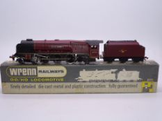 OO GAUGE - A Wrenn W2226 Duchess class locomotive