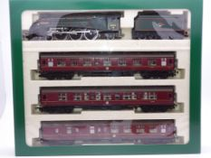 OO Gauge - A Hornby R2032 'The Midlothian' train pack including steam loco and 3 coaches - E, unused