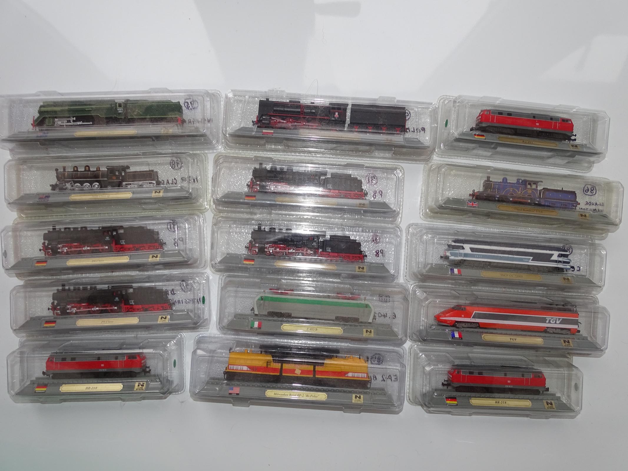 Lot 23 - N Gauge - A group of N Gauge static Del Prado locomotive models as lotted - E, sealed in original