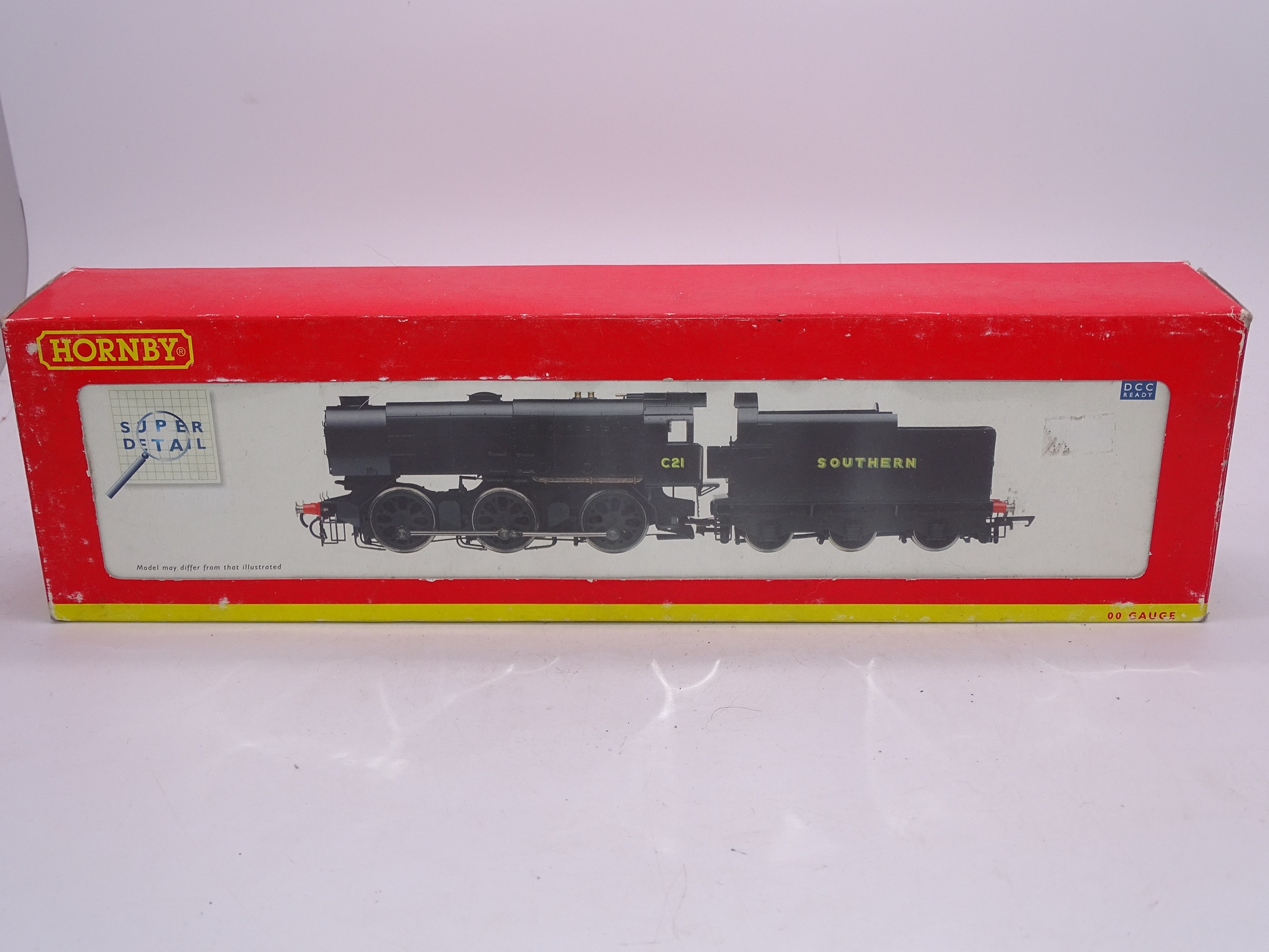 Lot 46 - OO Gauge -A Hornby R2343A Class Q1 steam locomotive in Southern Railway livery - numbered C21 - VG