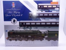 OO Gauge -A Hornby R3094 'Diamond Jubilee' Royal train pack including steam loco and 3 coaches -