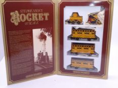 OO Gauge -A Hornby OO Gauge R796 Stephenson's Rocket Train Pack - VG in G/VG box