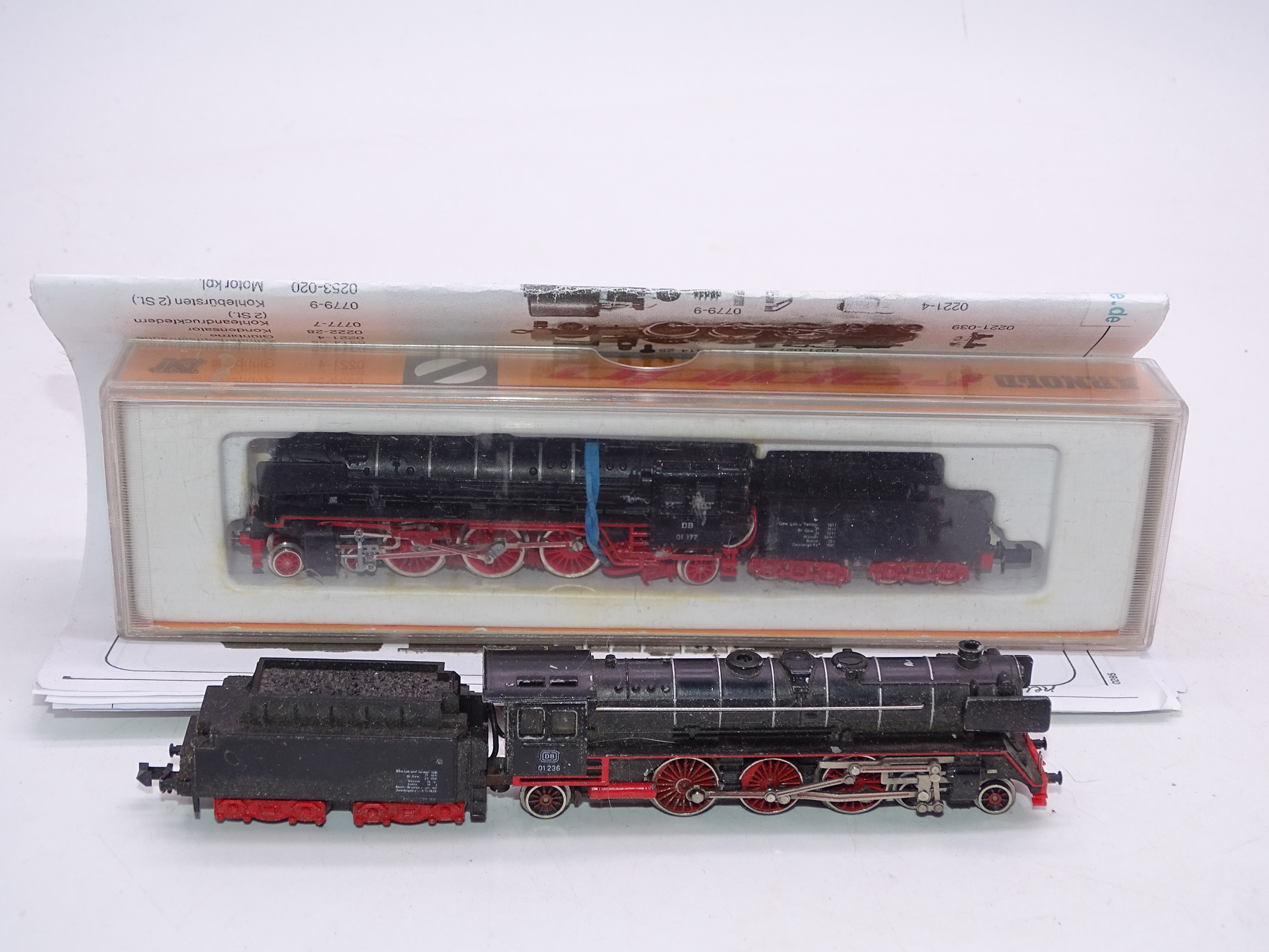 Lot 22 - N Gauge - A pair of German Outline Steam locos by Minitrix and Arnold (A/F) - F-G (one boxed, one