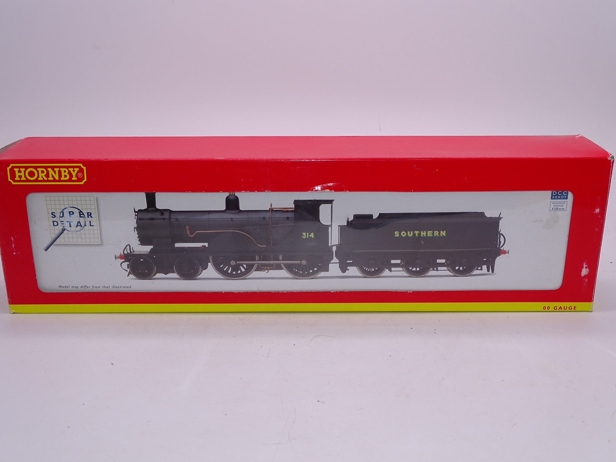 Lot 45 - OO Gauge -A Hornby R2829 Class T9 steam locomotive in Southern Railway livery - numbered 314 - VG in