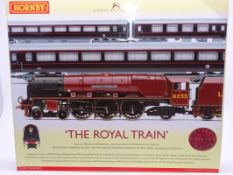 OO Gauge -A Hornby R370 'The Royal Train' train pack including steam loco and 3 coaches - E,