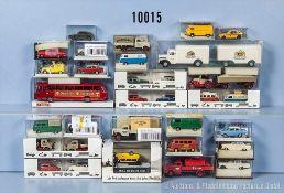 Konv. 32 Brekina H0 Modellfahrzeuge, dabei Pkw, Transporter, Lastzüge usw., sehr guter bis