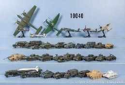 sehr umfangreiches Konvolut Roco H0 Militärfahrzeuge, n. A. d. E. über 500 Stück, dabei Panzer, Lkw,