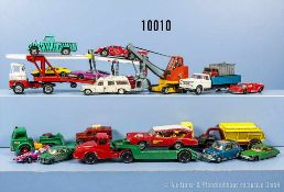Konv. 20 Modellfahrzeuge, dabei Pkw, Lkw, Rennwagen usw., lack, Metallgußausf., L bis 26 cm, versch.