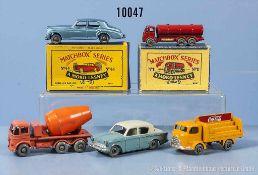 Konv. 5 Matchbox Fahrzeuge Serie 1-75, u. a. 11 A (in Replika Karton), 26 B, 37 B, 43 A und 44 A (in