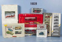 Konv. über 30 H0 Modellfahrzeuge, dabei Pkw, Einsatzfahrzeuge, Lkw, Lieferwagen usw., versch.