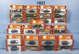 Konv. 25 H0 Roco Minitanks Militär-Modellfahrzeuge, dabei Panzerkampfwagen, Lkw, Sanitäts-Lkw