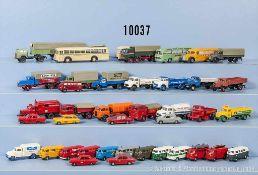 Konv. über 50 H0 Modellfahrzeuge, dabei VW-Busse, Einsatzfahrzeuge, Lkw, Omnibusse usw., versch.