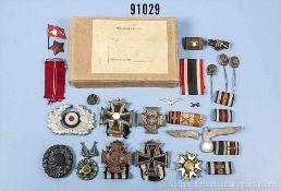 Konv. versch. Orden und Abzeichen, u.a. EK 2 1914, EKF, VWA in Schwarz, EK 2 1939 (teilweise