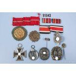 Konv. EK 2 1939, Ostmedaille, VWA in Schwarz, 2 Kraftfahr-Bewährungsabzeichen in Bronze,