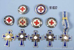 Konv. 5 Mutterkreuze, 3 x Bronze, Silber und Gold sowie 6 Schwesternbroschen vom Roten Kreuz,