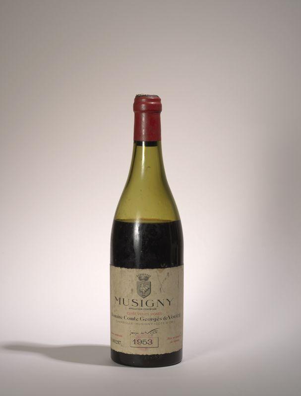 Lot 70 - Musigny - Cuvée Vieilles Vignes - Domaine Comte Georges de Vogüe, 1953 (Bas [...]