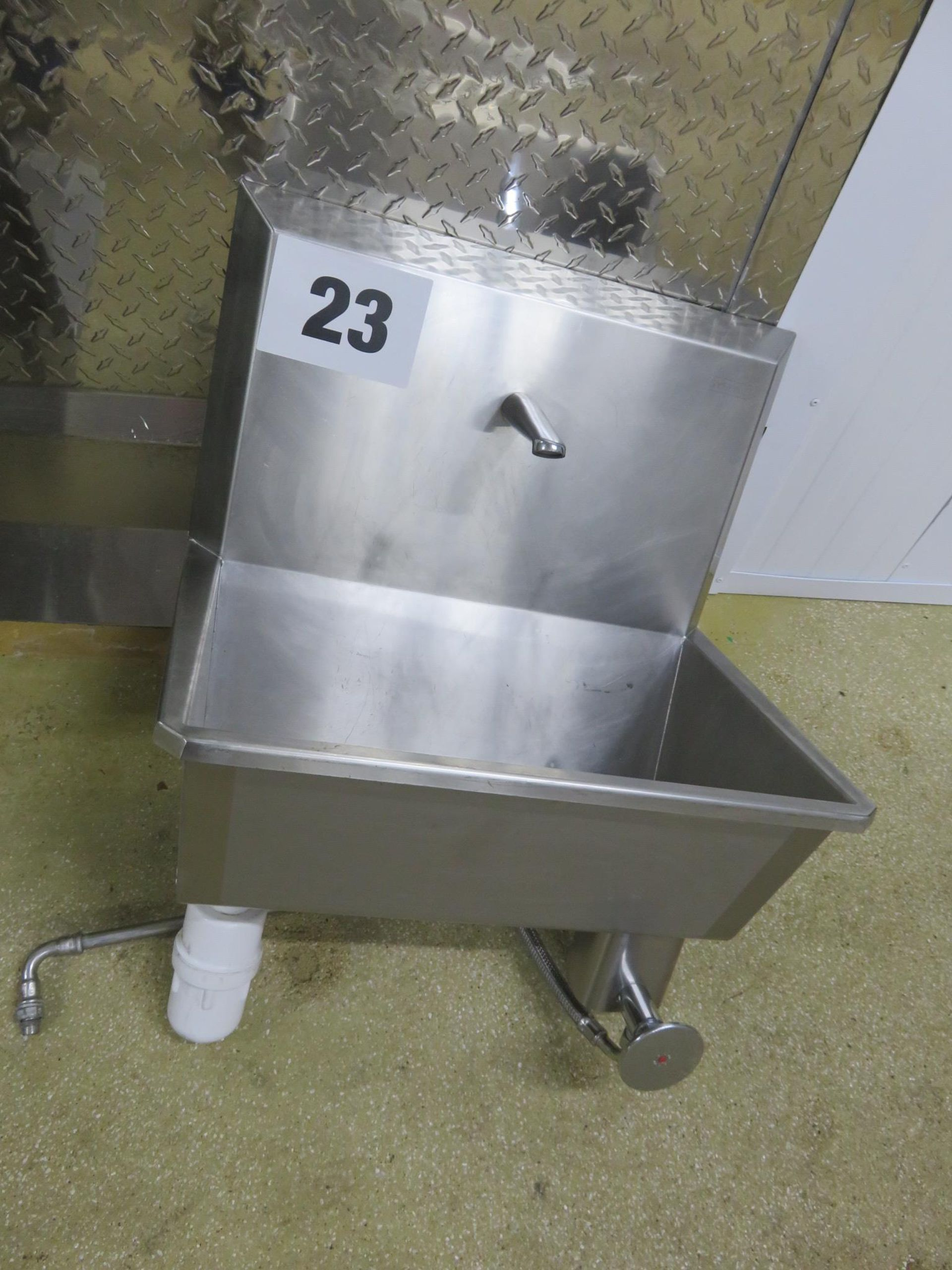 Lot 23 - Syspal S/s Sink - knee operated. Lift out £15