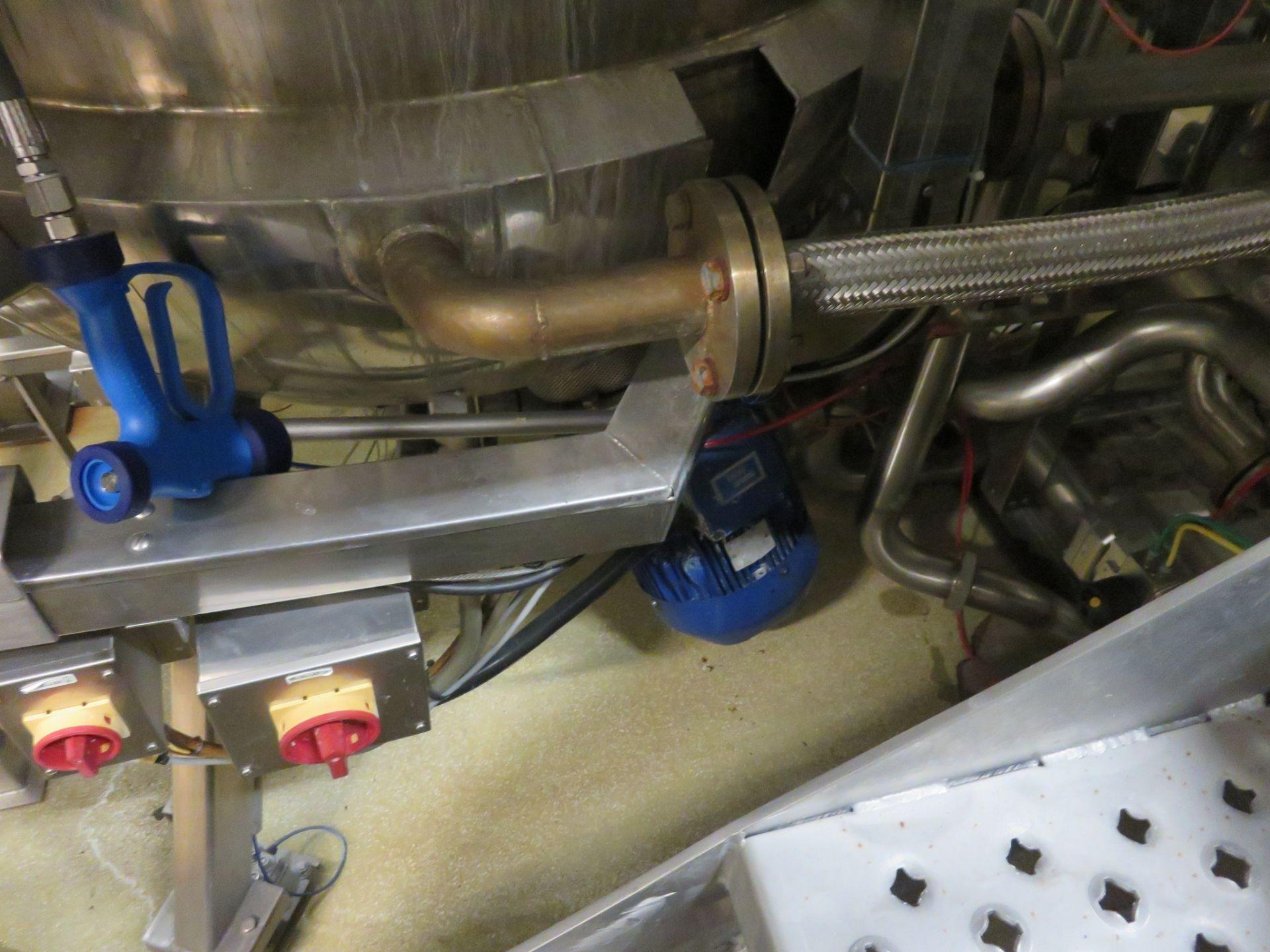 Lot 60 - Complete Soup Plant by Guisti: 3 x Tanks 1200 litre; 1 x Tank 1500 litre (horizonta. Lift out £1,920