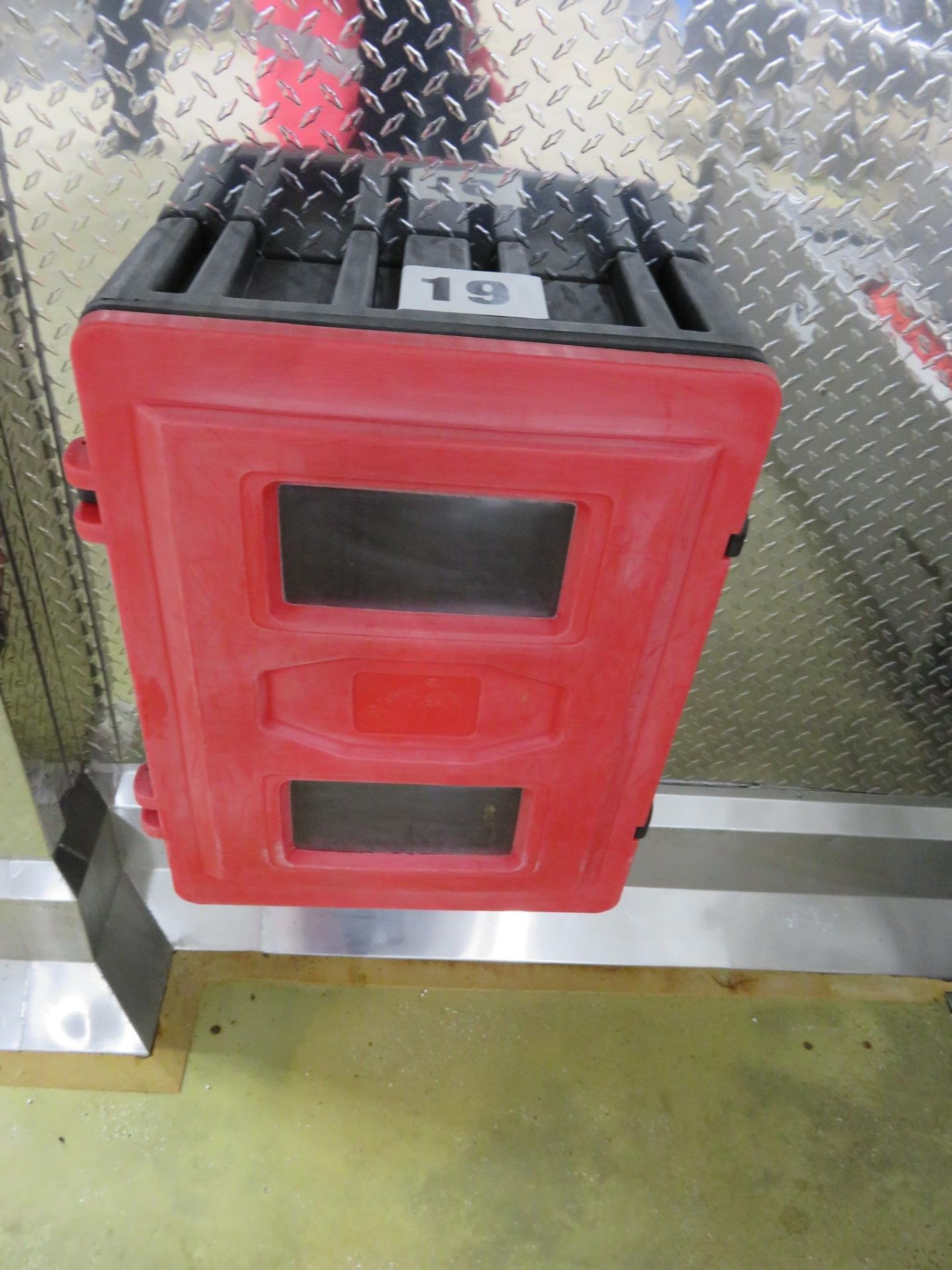 Lot 19 - Fire Extinguisher holder wall mounted. Lift out £10