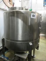 Lot 61 - Guisti accumalation Vessel. Holds 1 tonne water with 2 x pumps. Lift out £120
