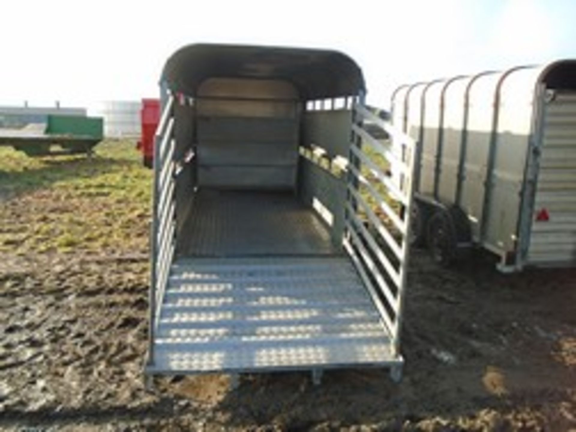 Lot 25 - Graham Edwards 12' livestock trailer