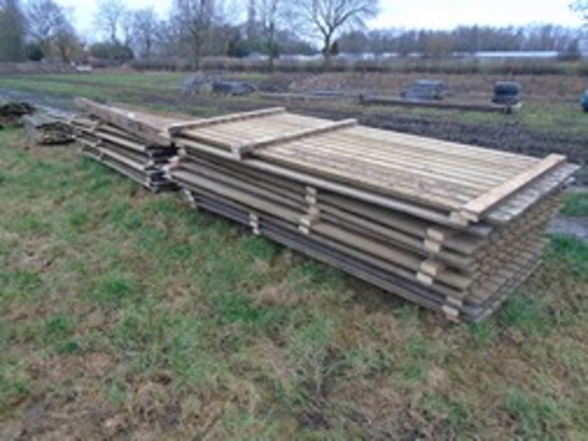 Lot 6 - 2 pallets of Yorkshire Boarding