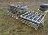 Lot 15 - 2 heaps of pig gates