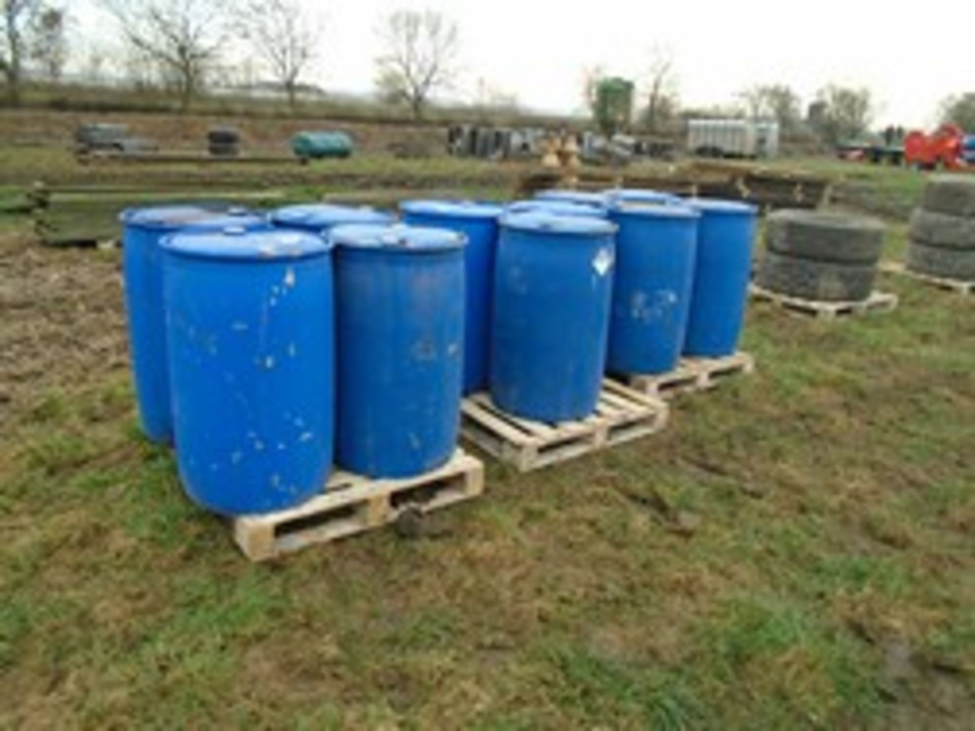 Lot 2 - 11 blue plastic barrels