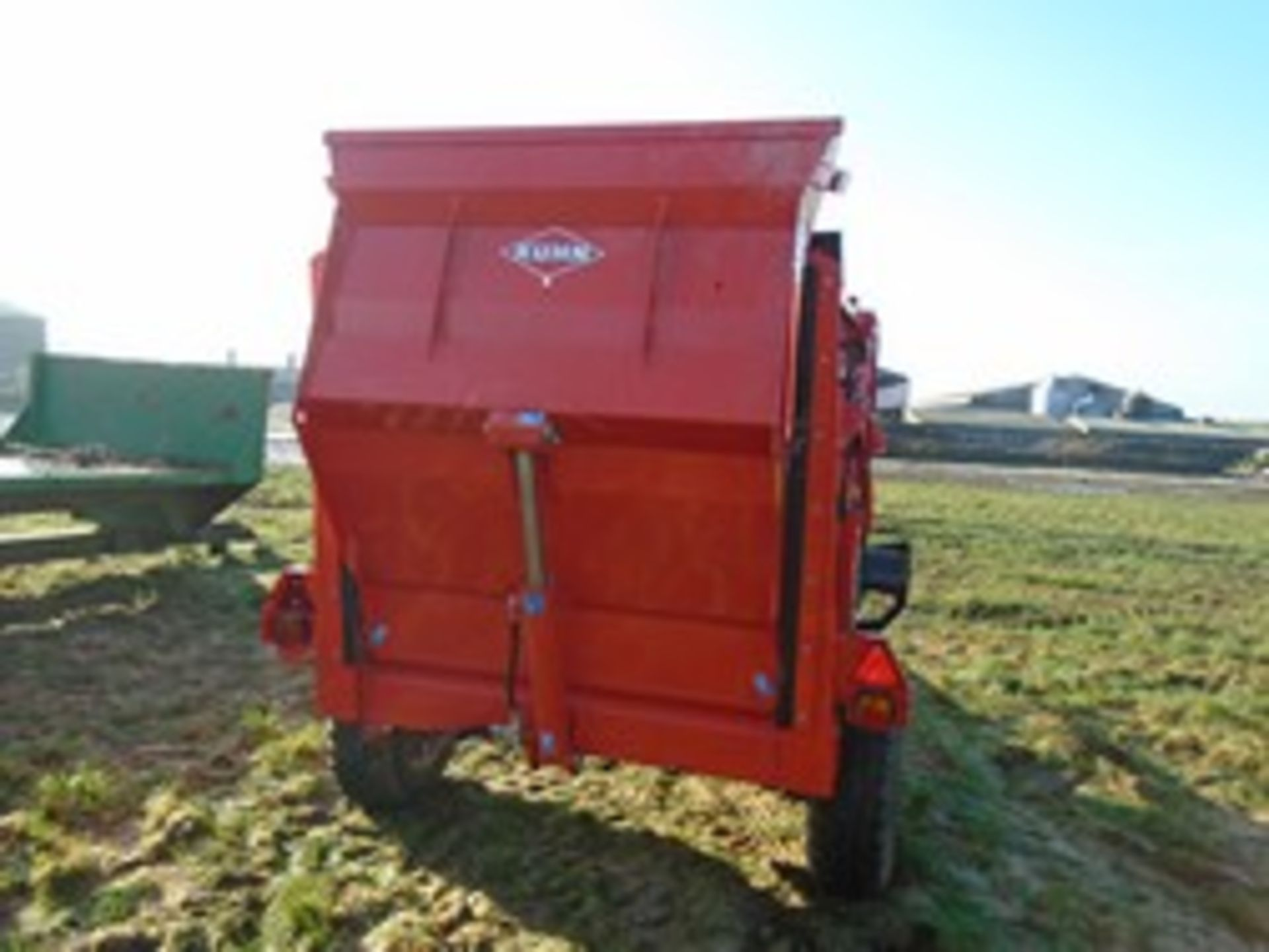 Lot 52 - Kuhn Primor 3570M straw chopper with control box 2017, very little use