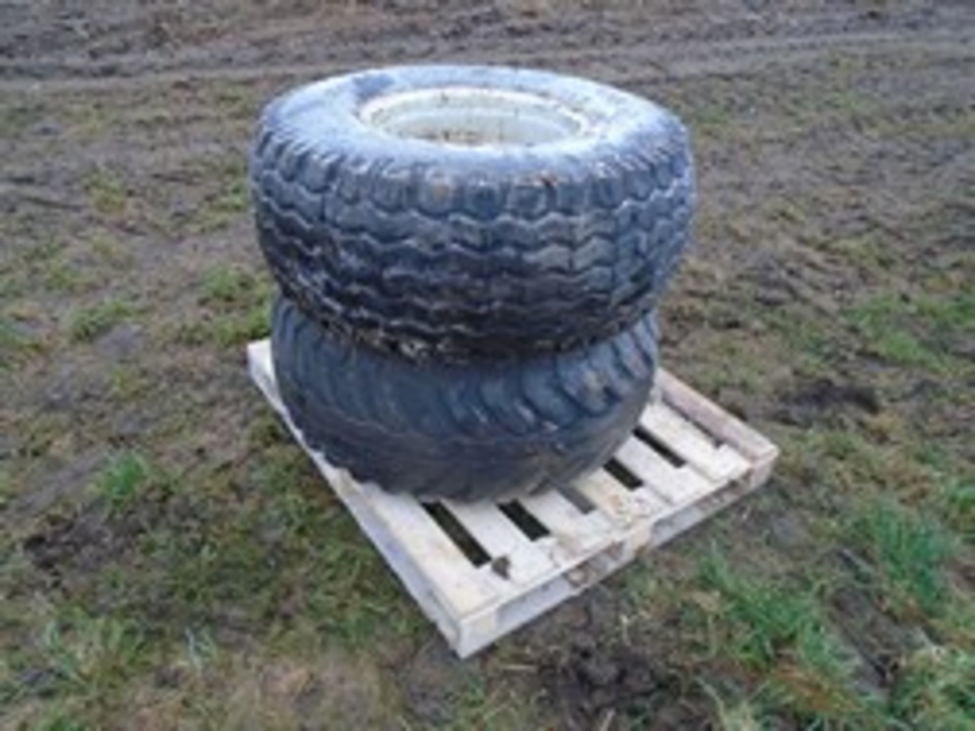 Lot 17 - 2x 15.0/70-18 wheels and tyres