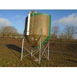 Lot 21 - 3t fibreglass overhead feed bin