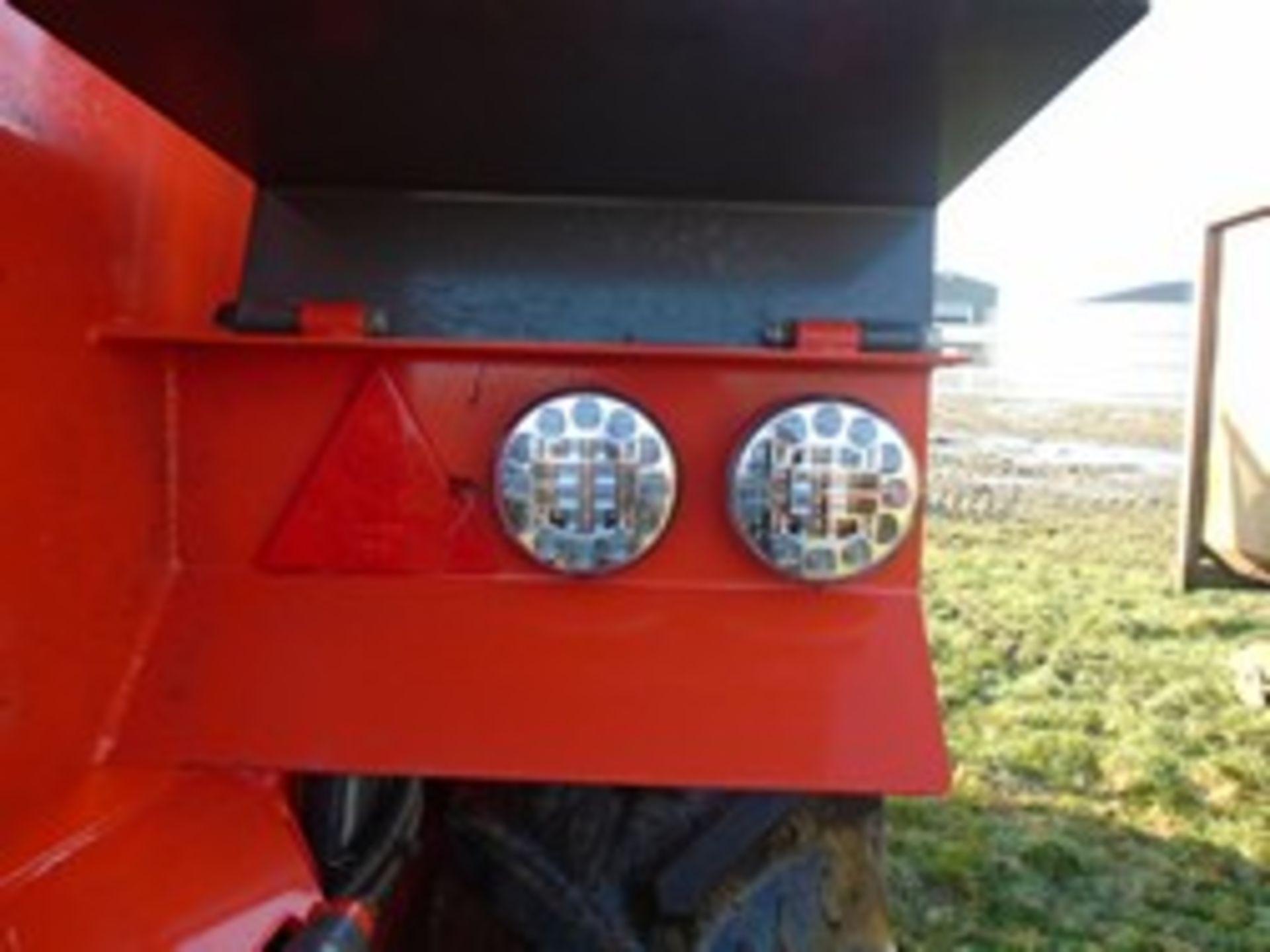 Lot 44 - Ktwo Duo 600 Mk5 muck spreader LED lights 2016