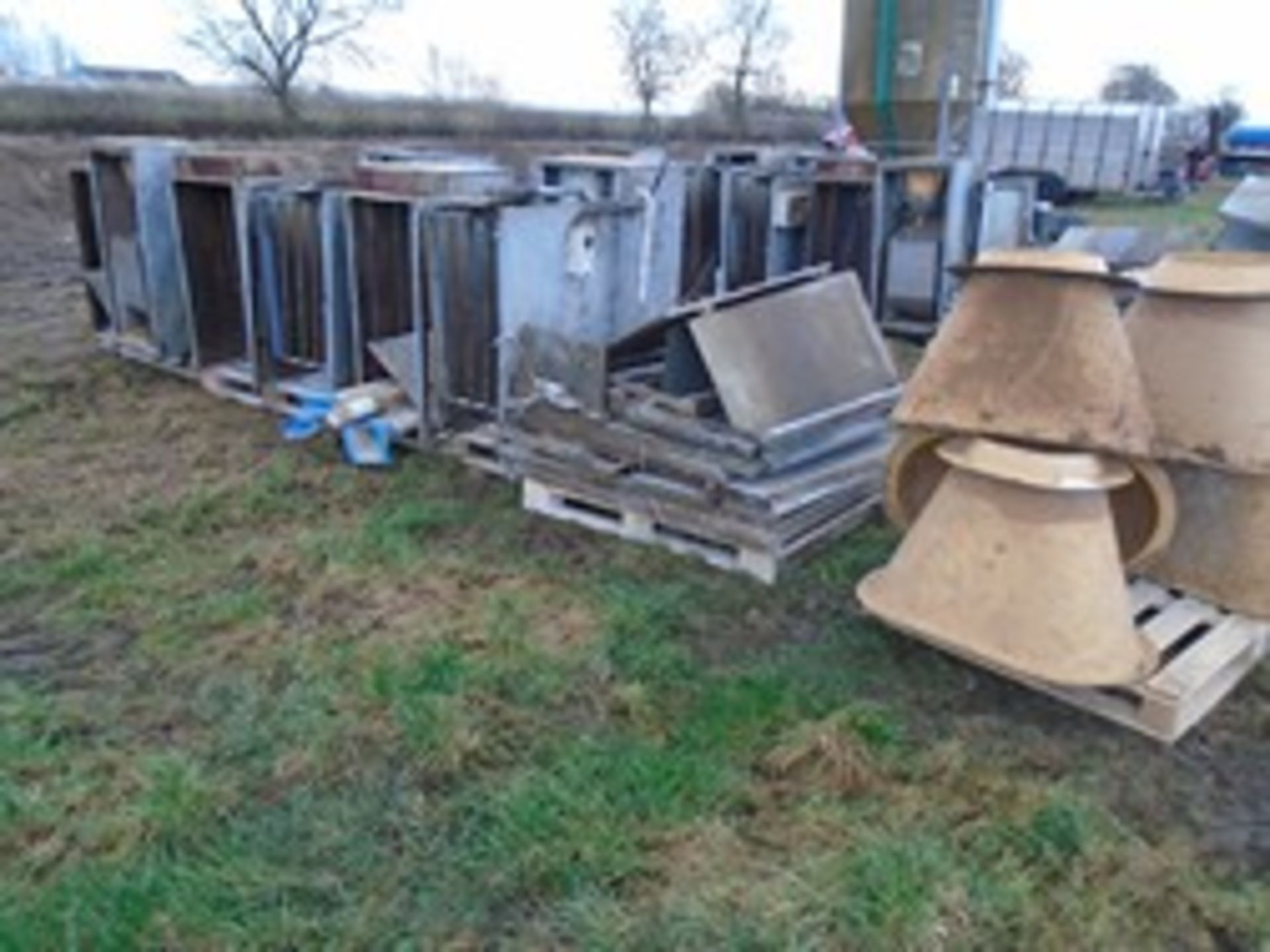 Lot 20 - Sow feeding system - no electrics