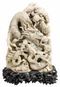 DrachenbergChina, Shoushan-Steinschnitzerei, 20. Jh.ca. 29 x 21 x 7,5 cmProvenienz: Privatsammlung