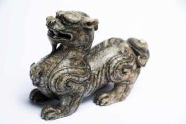 Grosses chinesisches Jade-FabeltierLänge: 16 cm, Höhe: 11 cmProvenienz: Privatsammlung Zürich.