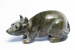 Chinesische Jade-Figur in Form einer Ratteca. 6,5 x 14 x 5,5 cmProvenienz: Privatsammlung ZürichA