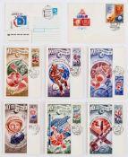 20 Jahre der sowjetischen Weltraum Ära 6 sowjetische Postkarten mit Briefmarken und 2 Umschlägen,