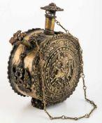 Sakrales Gefäss mit hl. Georg Russland, Messing, 19. Jh. Durchmesser ca. 9,5 cm, Tiefe: 6 cmSacred