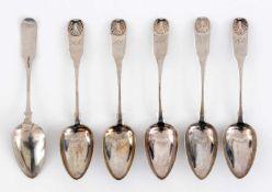 Sechs silberne Suppenlöffel (361g)4 davon gestempelt mit: Riga 1853, Beschaumeister Ludwig Suk,