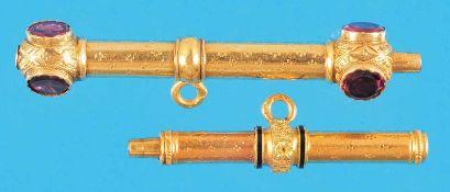 Konvolut mit 2 goldenen Taschenuhrschlüsseln, 1 mit Schmucksteinen (602)