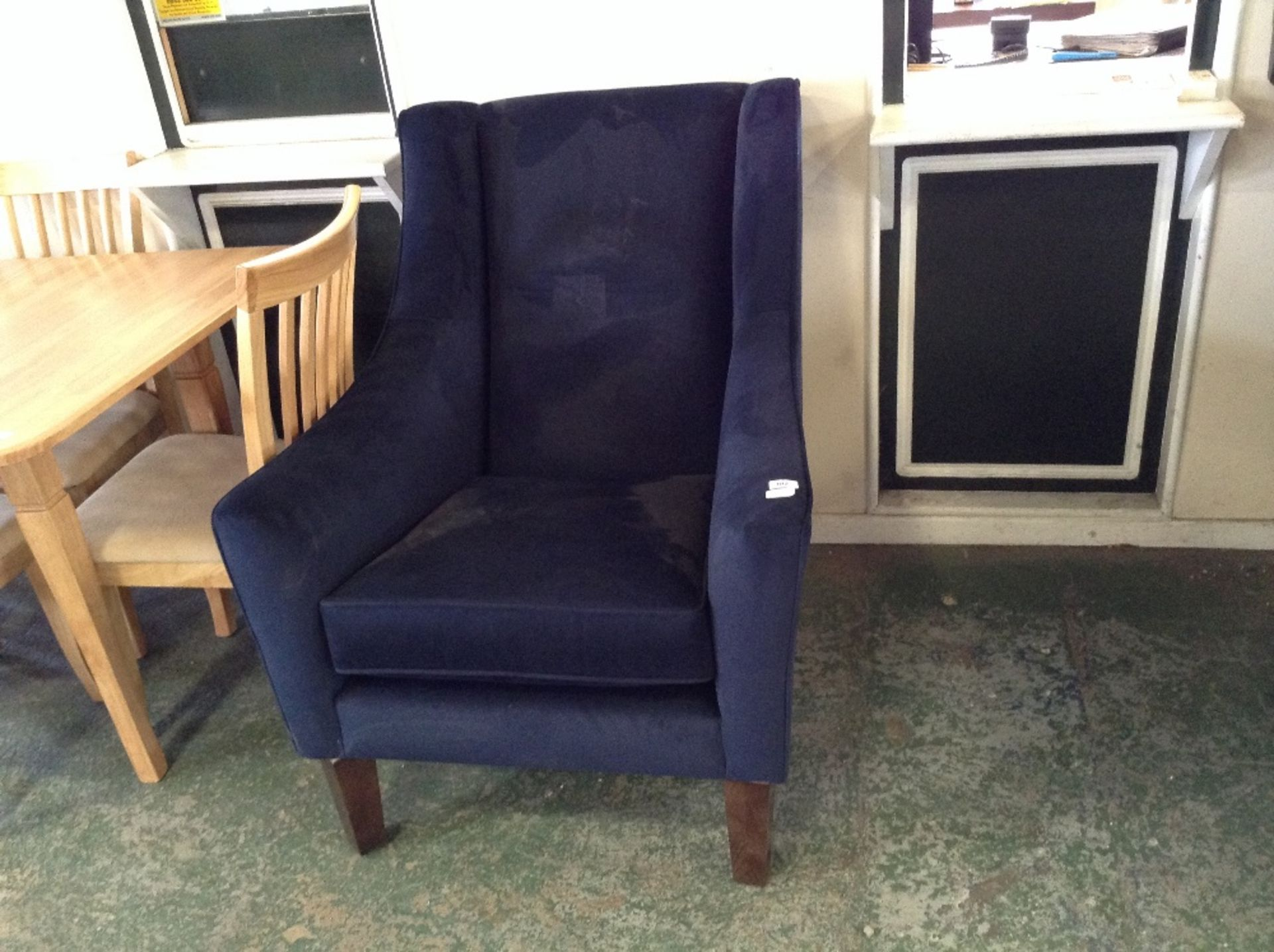 Lot 102 - BLUE HIGH BACK ACCENT CHAIR (TROO1629-WOO552425)